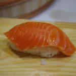 【みじんこ体験】第3回~お米を手で触らないのに職人ばりのシャリが握れる『早技!握り寿司トン具』で寿司握り体験!