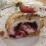 ハーブティーと果実いっぱいのケーキが魅力のエストニアのカフェ