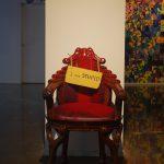 生きる価値のない真っ赤な椅子の話~アート作品制作のウラ話