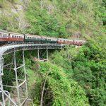 世界最古の熱帯雨林へ向かうオーストラリアの長大列車~キュランダ鉄道